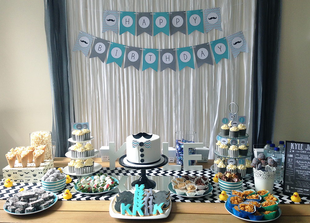 A little man 39 s first birthday party my party design blog - Birthday party theme for men ...