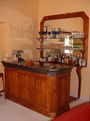 25 dise os de bar para tu hogar popular home interior for Modelos de barras de bar para casas