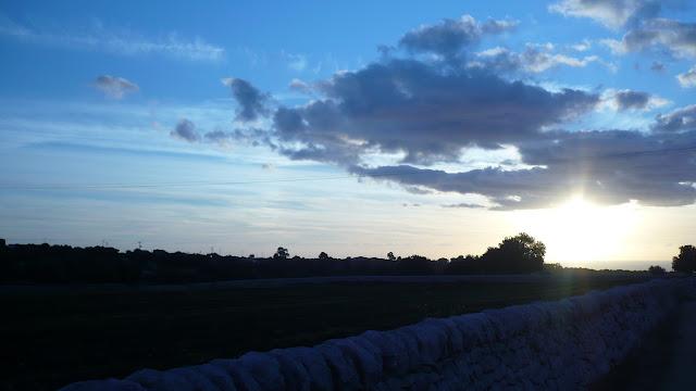 il tramonto in campagna