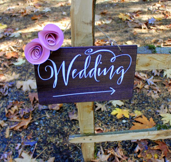 Wedding Directional Sign in Calligraphy - Beautiful Examples of Hand Lettering in Wedding Signage on HelloBrio.com