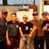 Lady Gaga cocina para el Cuerpo de Bomberos de Chicago
