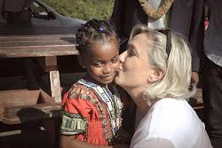 ✓ Marine Le Pen Présidente – Au nom du peu