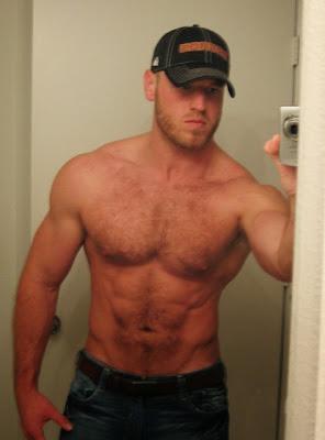 2Bmuscle-hairy-chest-beard-gay-guys-men-tumblr-kissing-freckles-98.jpg