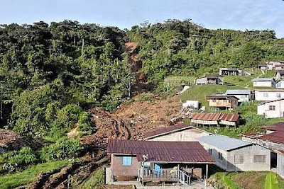 Aftermath of the landslide that hit the Sungai Ruil Orang Asli settlement in Cameron Highlands on Sunday. - Bernama - 8 August, 2011
