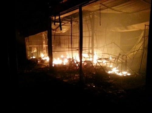 Hampir 200 Gerai Uptown Shah Alam Terbakar