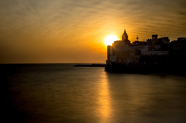 Sunset Sitges :: Canon EOS5D MkIII | ISO100 | Canon 24-105@58mm | f/8 | 25s