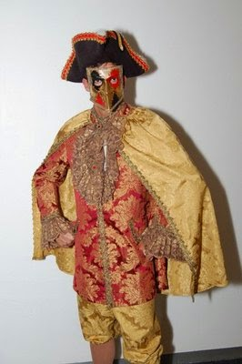 Masquerade costumes in Seattle, Rent a costume in Seattle, Best place to buy a mask