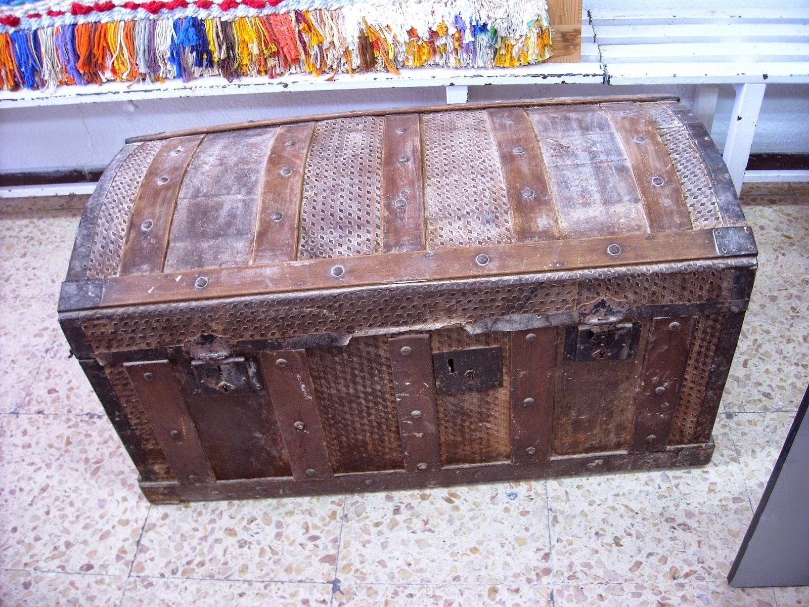 Todo sobre carmen restauracion baul antiguo - Restaurar un baul ...