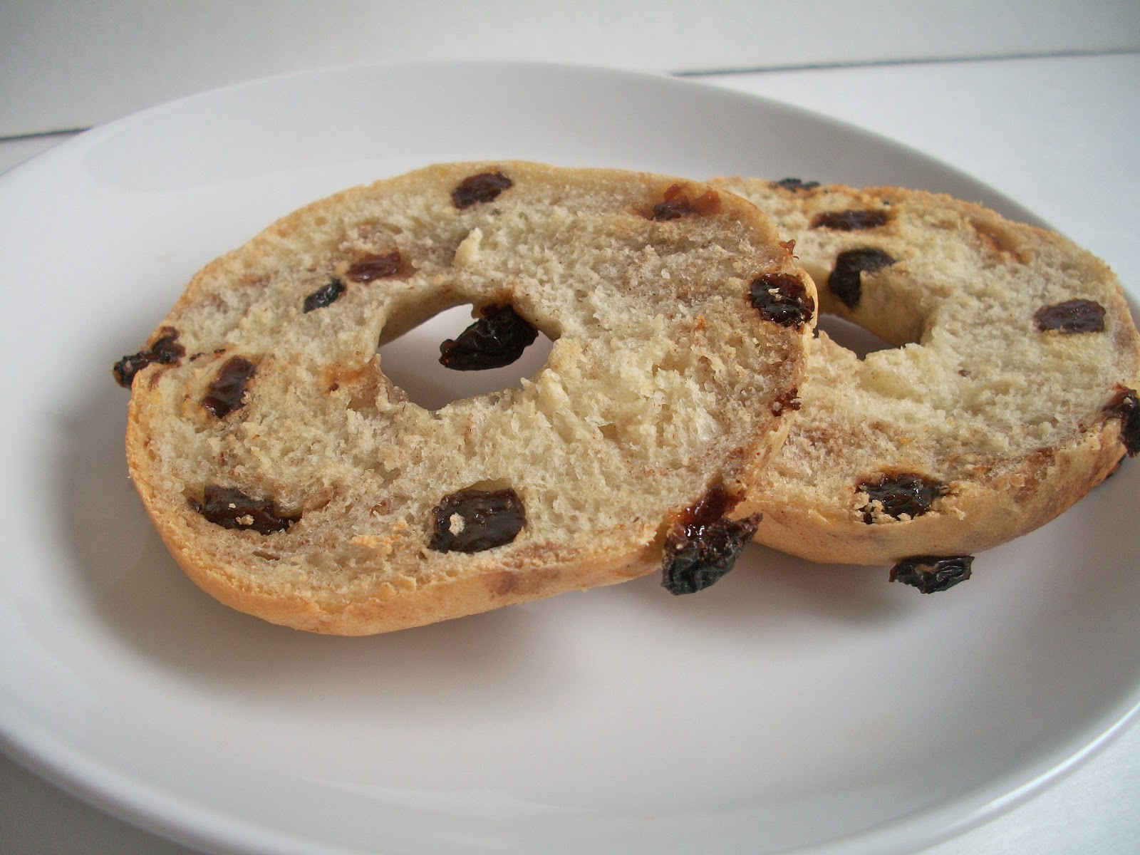 Brooke Bakes : Cinnamon Raisin Bagels