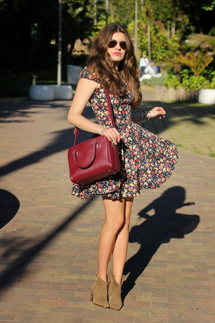 vestido_flores_flowers_print_estampado_zara_dress_bolso_bag_burdeo_burgundy_look_outfit_blog_streetstyle_angicupcakes02