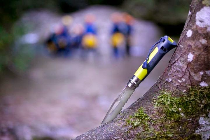 couteau à offrir pour un sportif plein air Opinel Outdoor