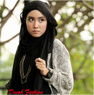 Jilbab ala Siti Juwariyah Simple Sweet