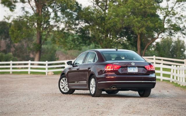 фотографии Volkswagen Passat SEL 2012 года