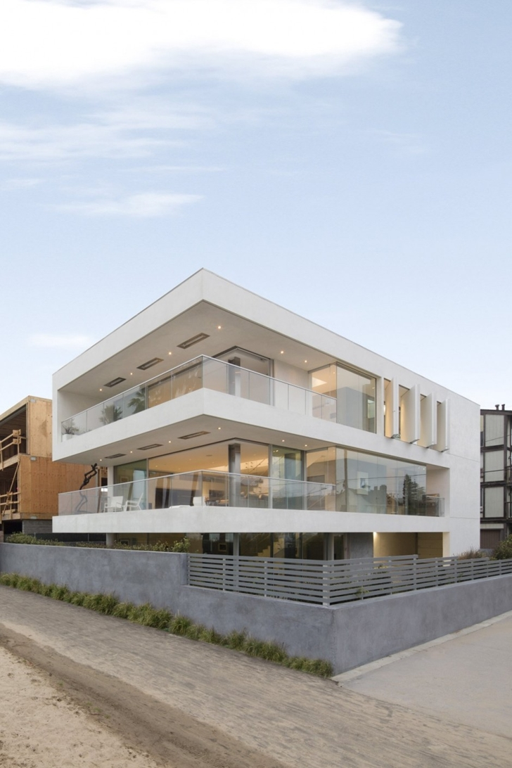 World Of Architecture Modern Mansion On The Beach By Dan