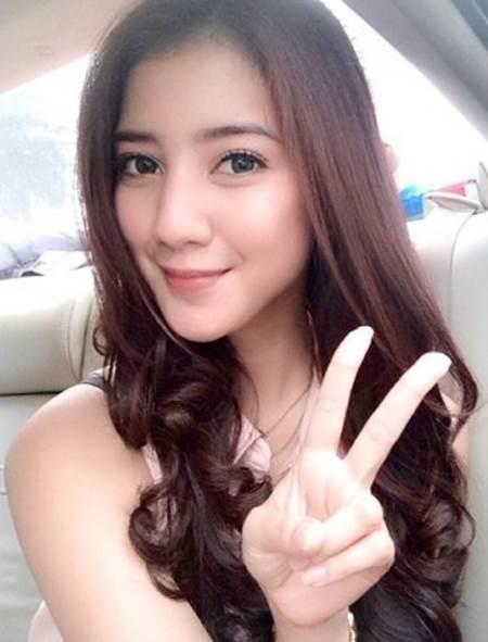 Foto dan Biodata Artis Cantik Fita Anggriani Pemeran Anjani di Serial Pangeran SCTV