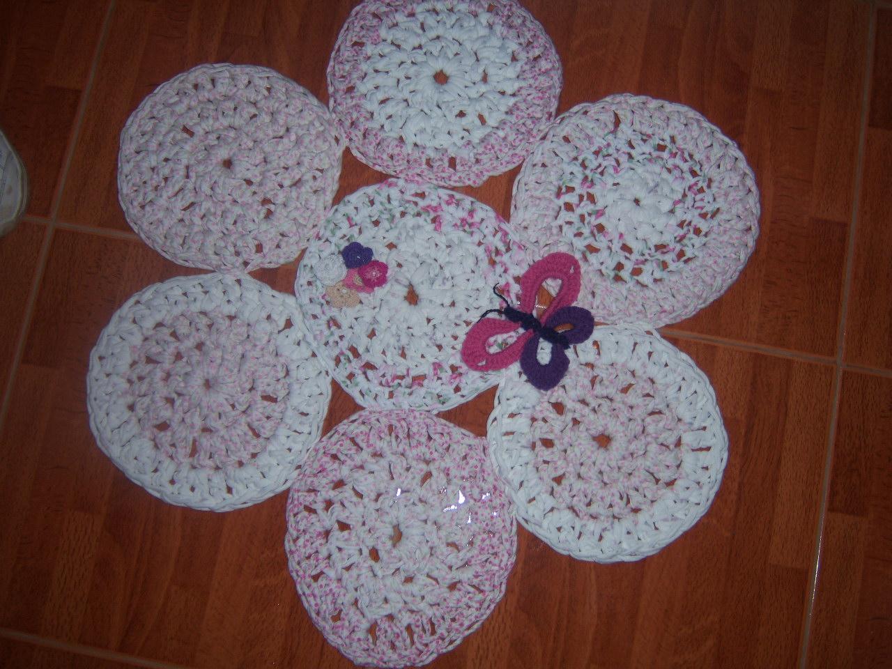 Rume crochet alfombras con totora for Alfombras de hilo