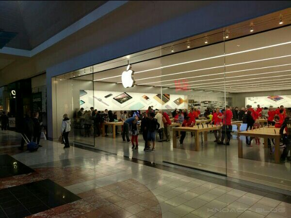 Apple Store Tigard US