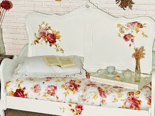 http://www.portaldeartesanato.com.br/materias/2113/cama+de+casal+que+vira+sof%C3%A1