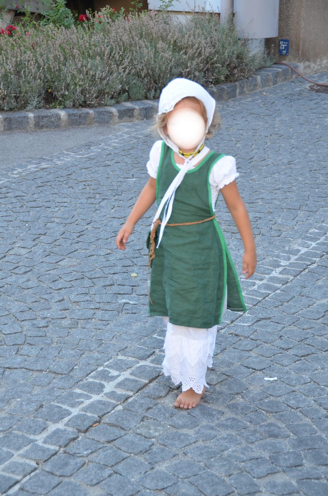 Belula: Gewandungen für das historische Kostümfest in Purbach