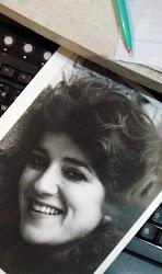 Cadena Femenina - canción - Liliana Araujo, cantautora