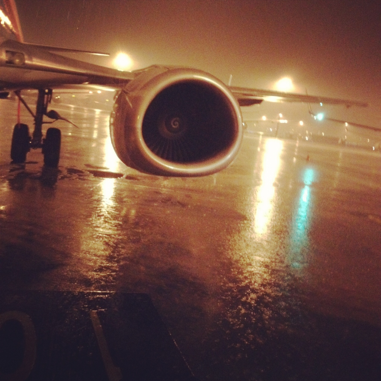 rainy 737400 night