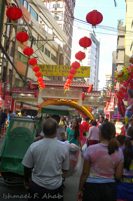 Binondo Chinatown 2014 Chinese New Year - Chinatown arch