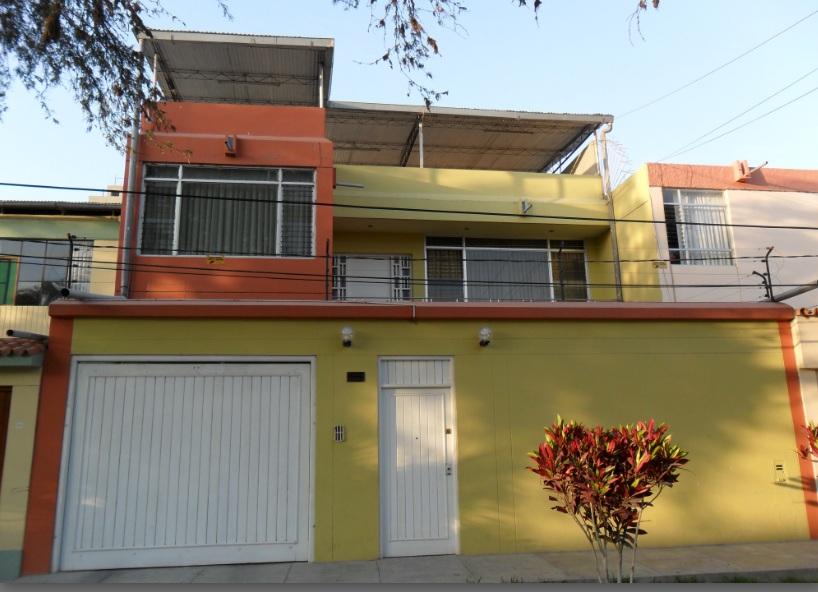 Fachada de casa moderna de ladrillo visto de 2 pisosjpg - Fachadas de ladrillo visto ...