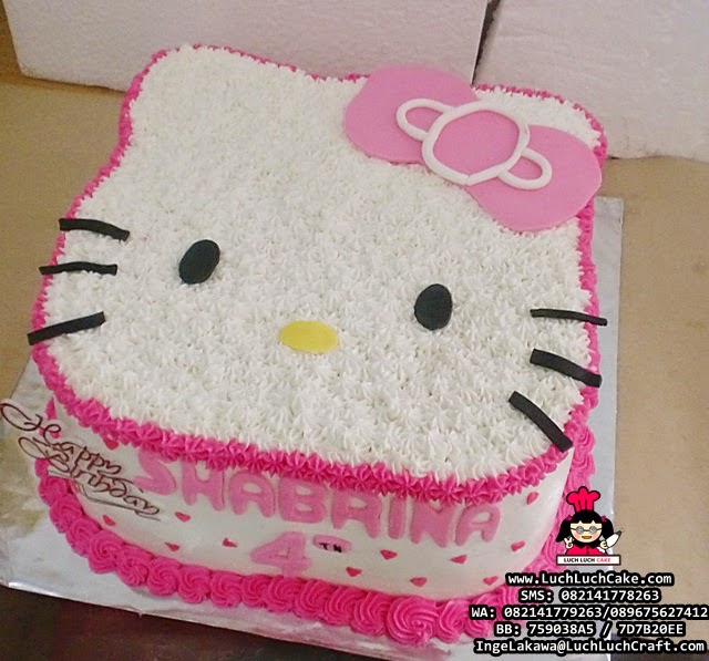 kue tart 3d hello kitty pink