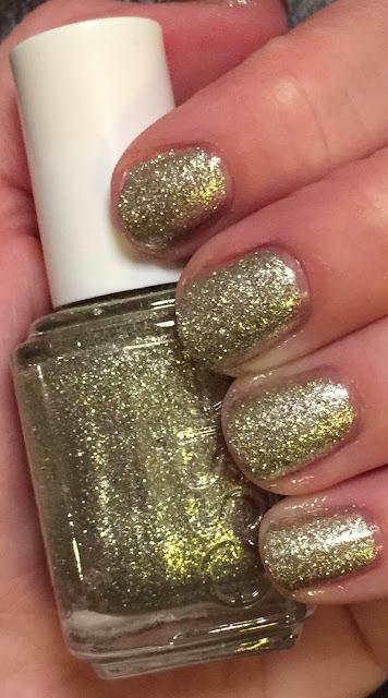 Essie, Essie Beyond Cozy, nails, nail polish, nail lacquer, nail varnish, #ManiMonday, manicure, Pittsburgh, #burghiversary