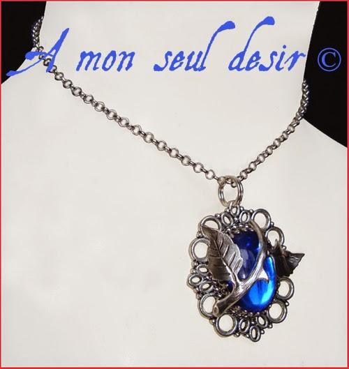 collier bleu nuit marine elfique floral végétal épine rosier aubépine églantine bijouterie