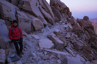 Mount Whitney Trail at western side of ridge