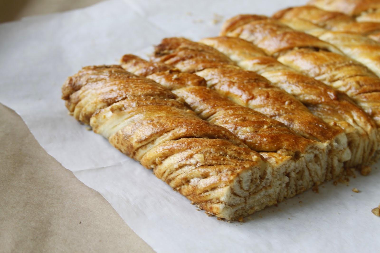 Tahinli Cevizli Çörek Nasıl Yapılır