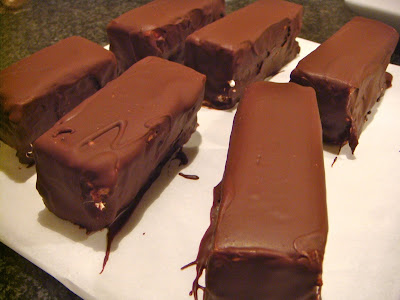 Snickers-like dessert bars