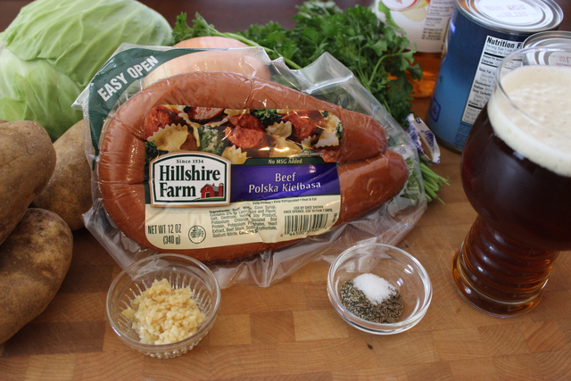 msg4-21+ A soul warming ‪#‎oktoberonthefarm‬ Polska Kielbasa Oktoberfest Stew. Made with ‪#‎hillshirefarm‬ Polska kielbasa and seasonal ‪‎craft beer it's an easy one pot recipe sure to please everyone. #ad