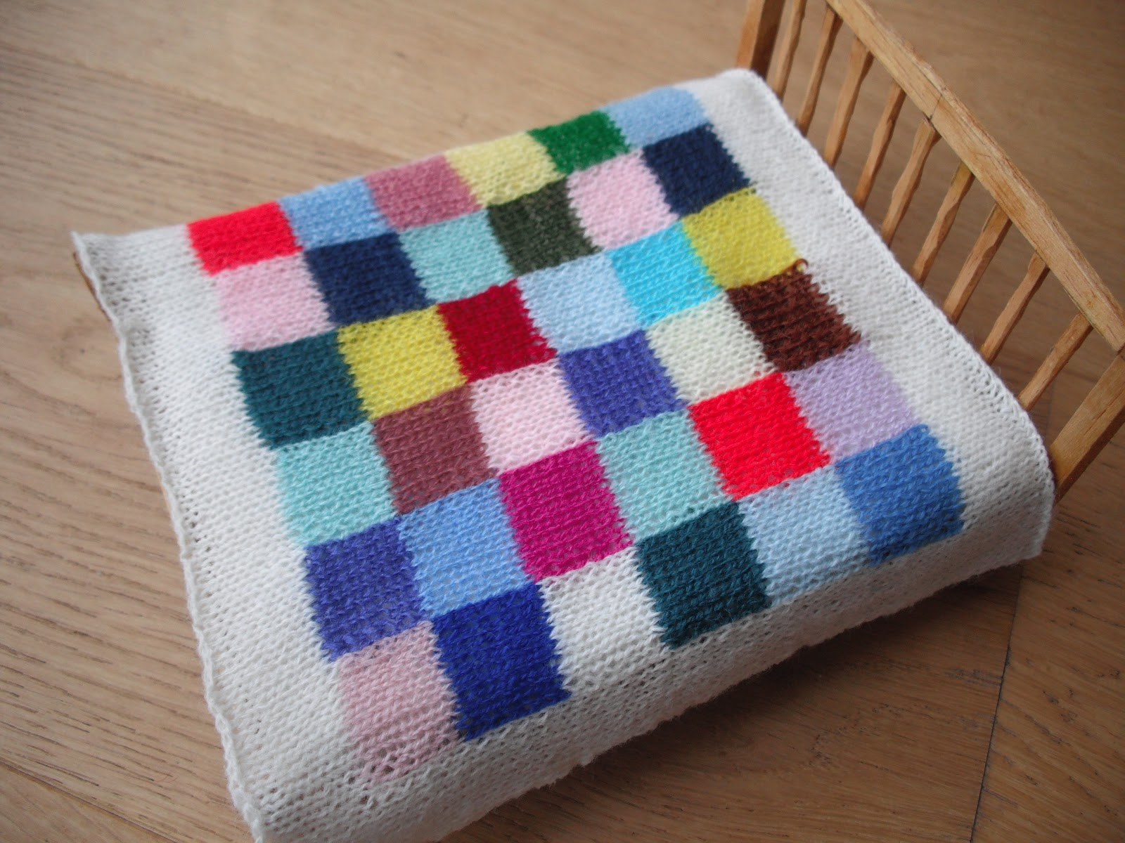 Free Knitted Patchwork Blanket Patterns : bitstobuy: Tiny knitted patchwork blankets for the dolls house