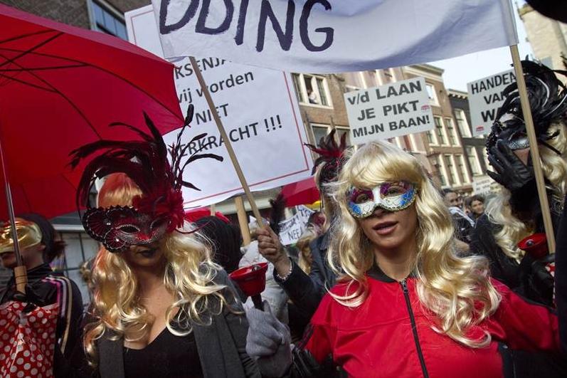 barrio rojo amsterdam prostitutas dos prostitutas