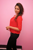 Madhu shalini latest glam pics-thumbnail-7