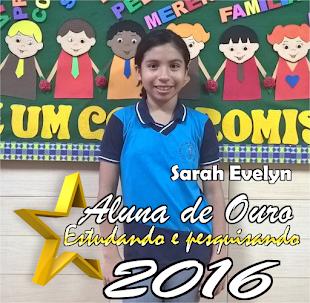 ALUNA ESTUDANDO E PESQUISANDO - 2016