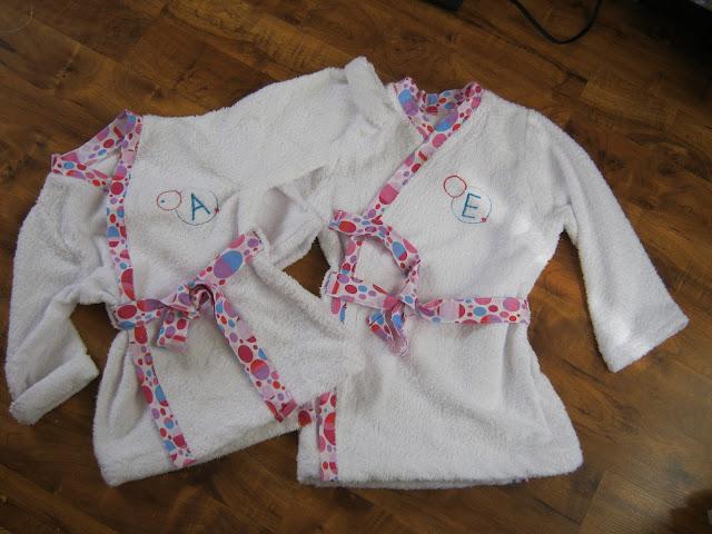 Toalla Baño Infantil:Publicado por Natalia Sabogal en domingo, abril 08, 2012