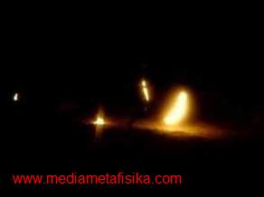fenomena bola api naga di thailand