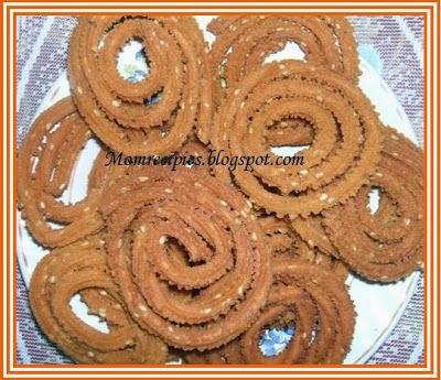 http://momrecipies.blogspot.in/2009/10/chakali-murukku-diwali-special.html