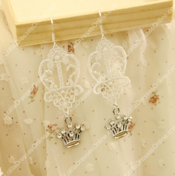 http://www.lolitadressesonline.com/white-vintage-lace-and-pearls-rose-lolita-earring-p-693.html
