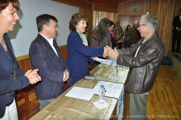 El Dr. Humberto Ruiz Calderón obtuvo reconocimiento como editor. (Foto: Lander Altuve)