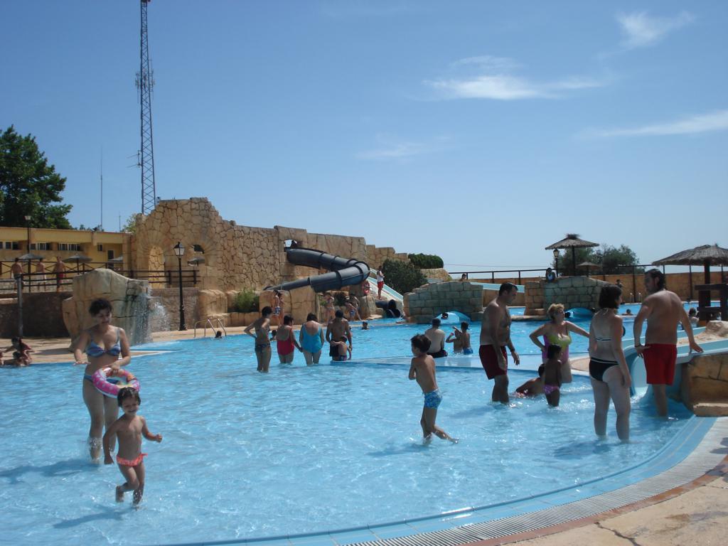 Cr nicas del palancia segorbe abre sus piscinas de verano for Piscina segorbe