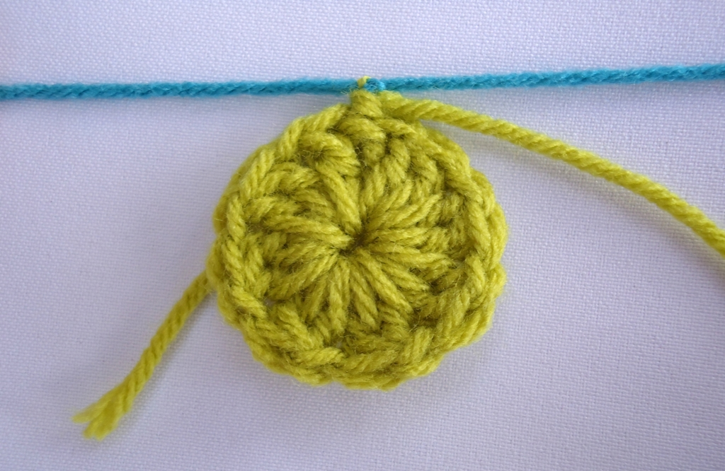 Knitting Knot Join : Stitch of love tie a secure knot to join new yarn