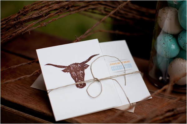 Longhorn Ranch Inspiration Shoot by K.Lindmeier Photography via www.lemagnifiqueblog.com // #wedding #invitations