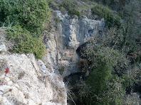Saltant a la capçalera de la riera de Sant Bartomeu