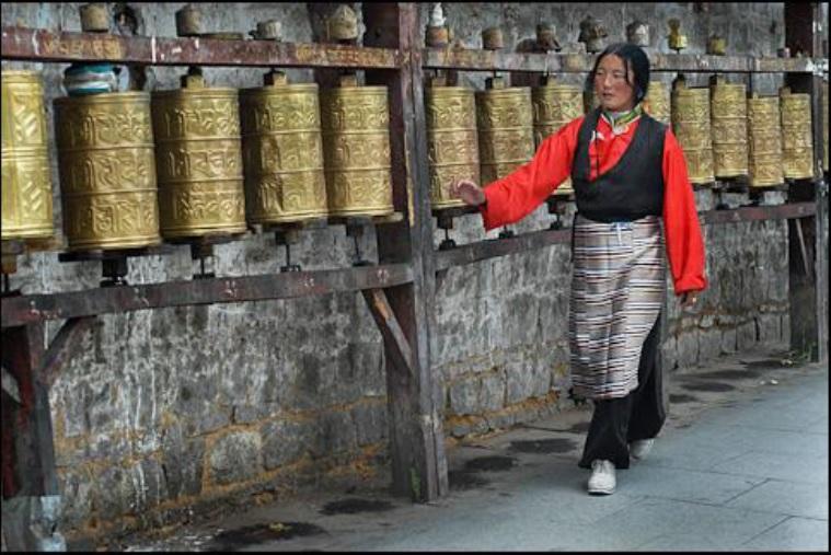 Beneficiile practicii khorlo (roata de rugaciune)