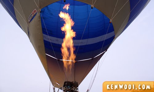 putrajaya hot air balloon flame