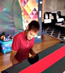 Será?! Neymar aparece tocando música da Alicia Keys ao piano